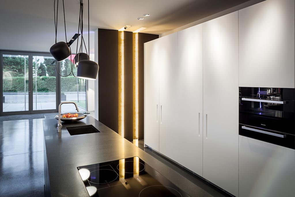 exklusive lampen design lampen exklusiv und einzigartig riess ambiente ber jahrgang haus stil. Black Bedroom Furniture Sets. Home Design Ideas